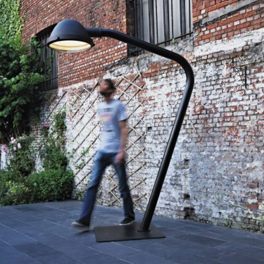 The Outsider vloerlamp