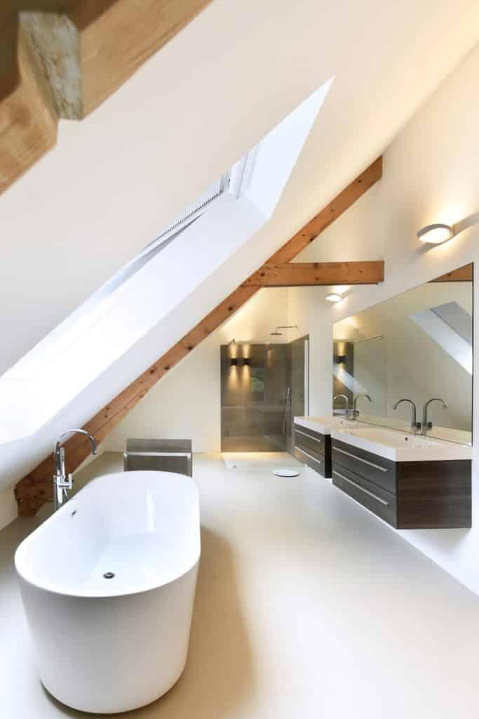 Moderne villa lichtplan badkamer