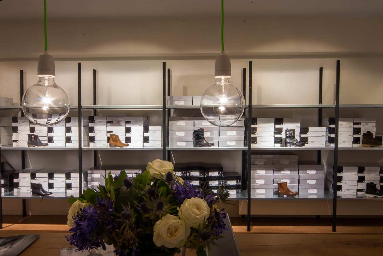 licht project HOOGSPOOR schoenen winkel